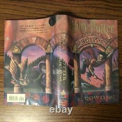 Harry Potter And The Sorcerer's Stone De J. K. Rowling (hardcover Dj 1er/1er Ln)