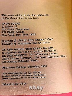 La Bible Satanique Signée Par Anton Szandor Lavey Signée 1ère Édition 1969