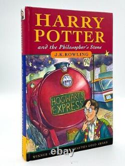 La Première Édition De La Pierre Philosophale D'harry Potter Est Signée.