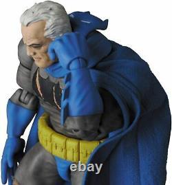 Mafex Le Chevalier Noir Retourne Le Triumphant Batman Action Figure No. 119 États-unis D'amérique