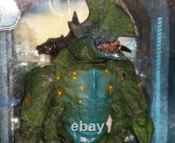Neca Misp Pacific Rim Film Kaiju Axehead Ultra Deluxe Monster Action Figure Nouveau